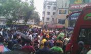 ঢাকা মালিবাগে বেতন ভাতার জন্য গার্মেন্টস শ্রমিকদের রাস্তা অবরোধ