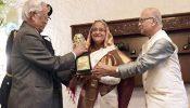 'ঠাকুর শান্তি পুরস্কার'-এ ভূষিত হলেন প্রধানমন্ত্রী